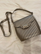 Load image into Gallery viewer, 1970's Silver Stripe Elephant Purse