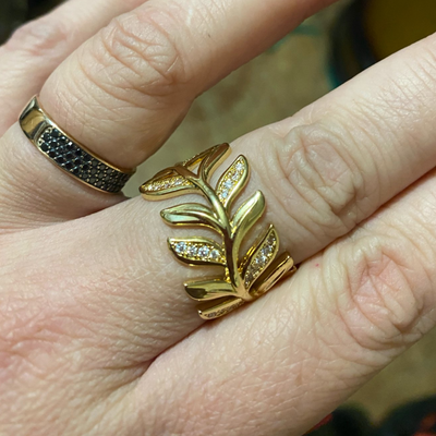 Golden Studded Leaf Ring