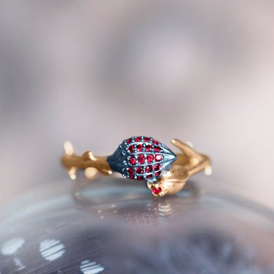 Limpias Ring Gold - Red Zirconia