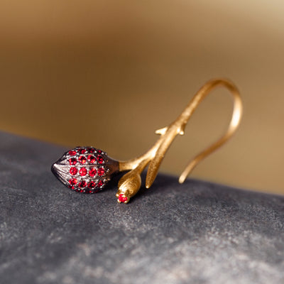 Limpias Earrings Gold - Red Zirconia