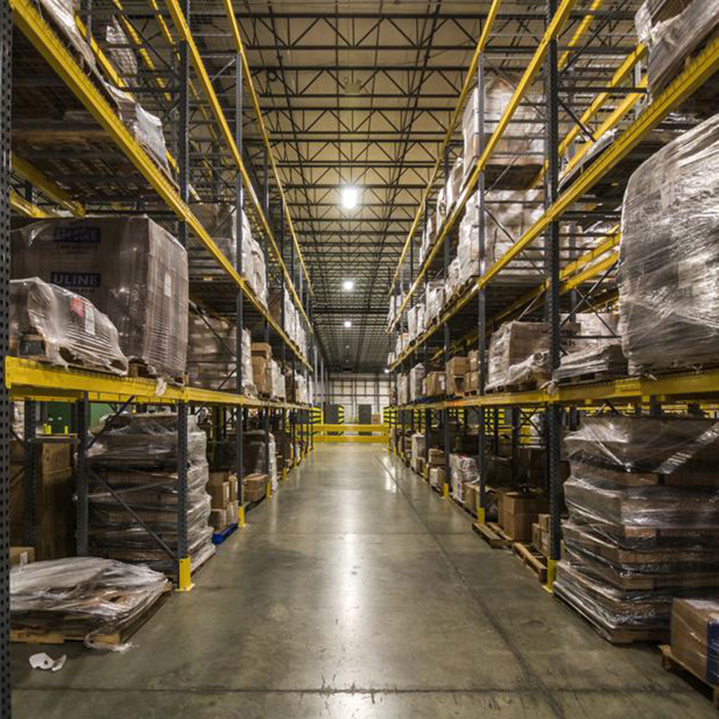 WAREHOUSE Photo by Shopify Partners from Burst