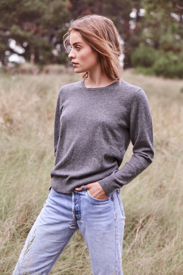 Cashmere Daisy Crew Neck in Charcoal Marle Grey - sonyahopkins.com