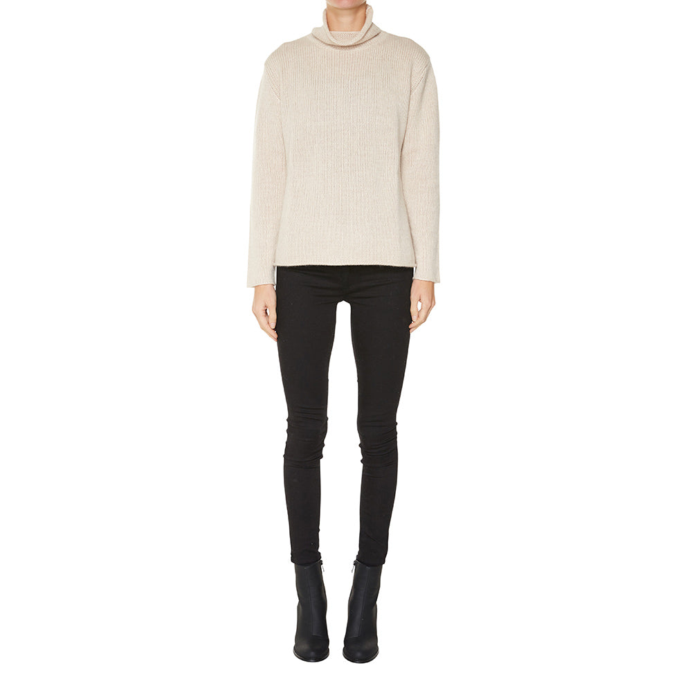 Cashmere Frankie Relaxed Turtleneck in Pale Marle Beige - sonyahopkins.com