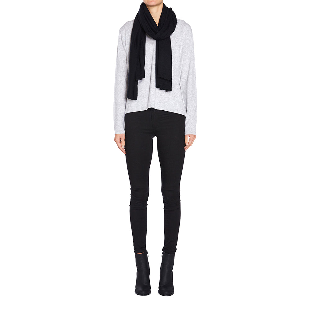 100% Cashmere Jean Scarf in Black - sonyahopkins.com