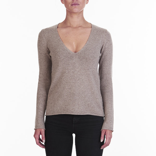 Cashmere Megan Low V-neck in Honey Marle - sonyahopkins.com