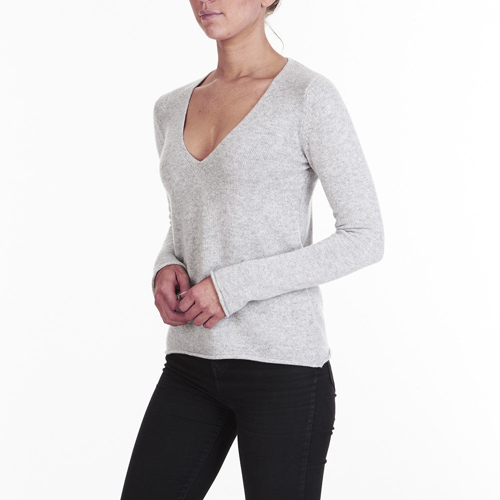 Cashmere Megan Low V-neck in Pale Marle Grey - sonyahopkins.com
