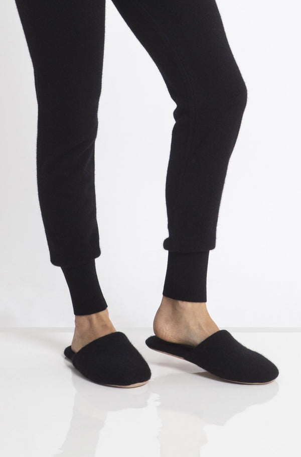 Sonya Hopkins 100% pure cashmere slippers in black