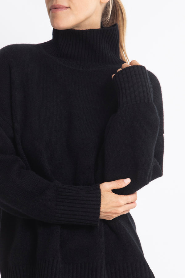 Sonya Hopkins 100% cashmere oversized Sunday knit turtleneck in black