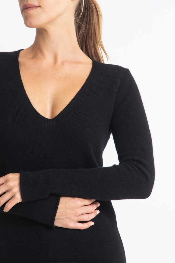 Sonya Hopkins 100% pure v-neck cashmere sweater in black