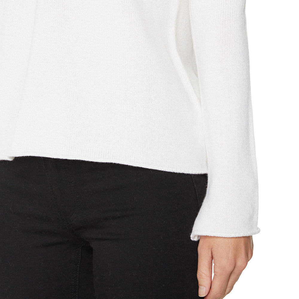 Cashmere Megan Low V-neck in Winter white - sonyahopkins.com