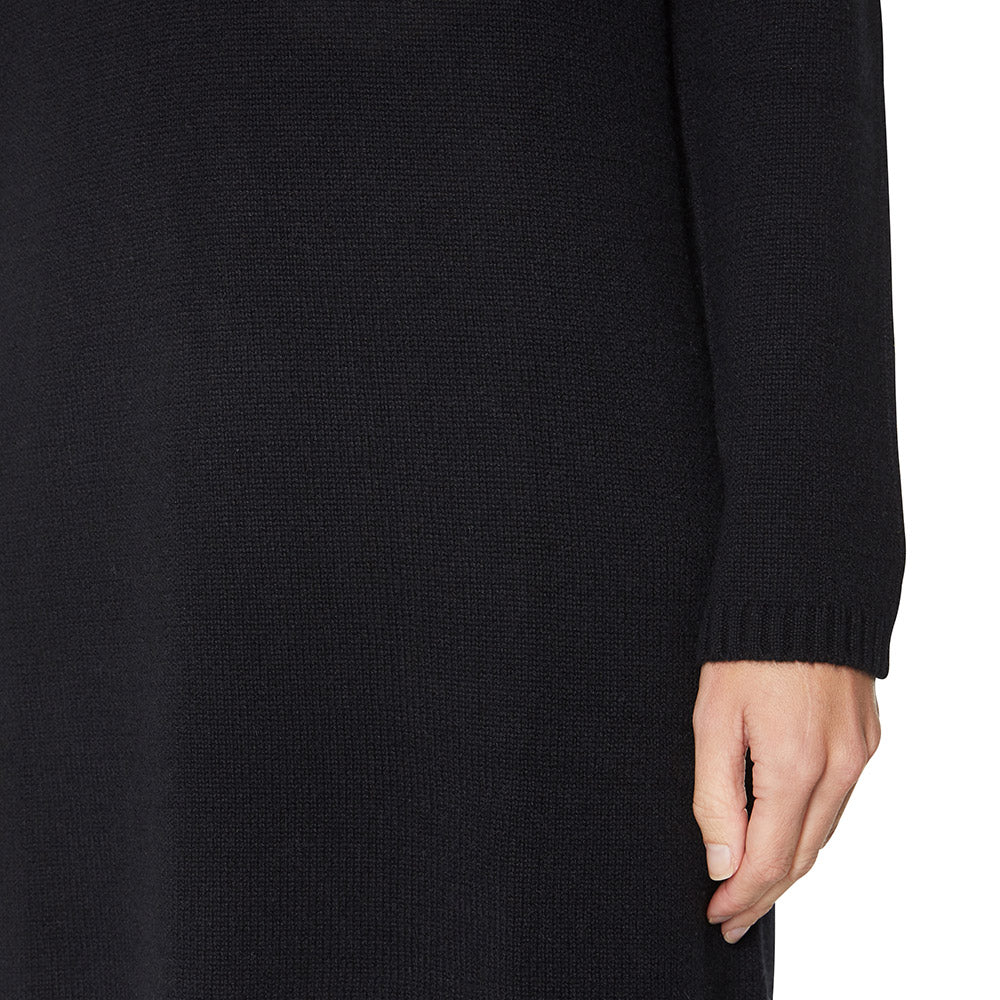 Cashmere Evie V-neck Sweater Dress in Black - sonyahopkins.com