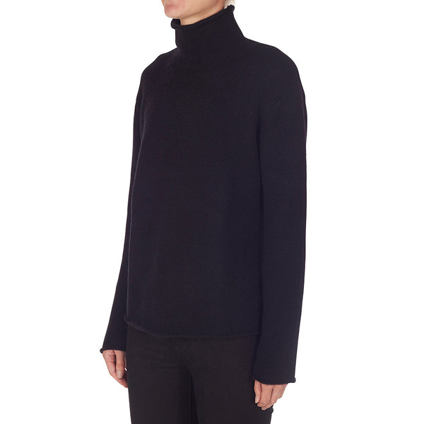Cashmere Frankie Relaxed Turtleneck in Black - sonyahopkins.com