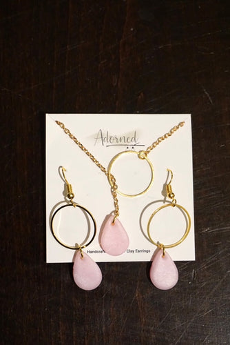 Light pink teardrop set