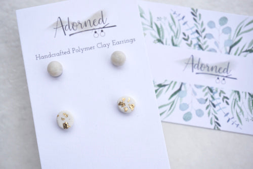 Pearly white and gold speckled stud pack