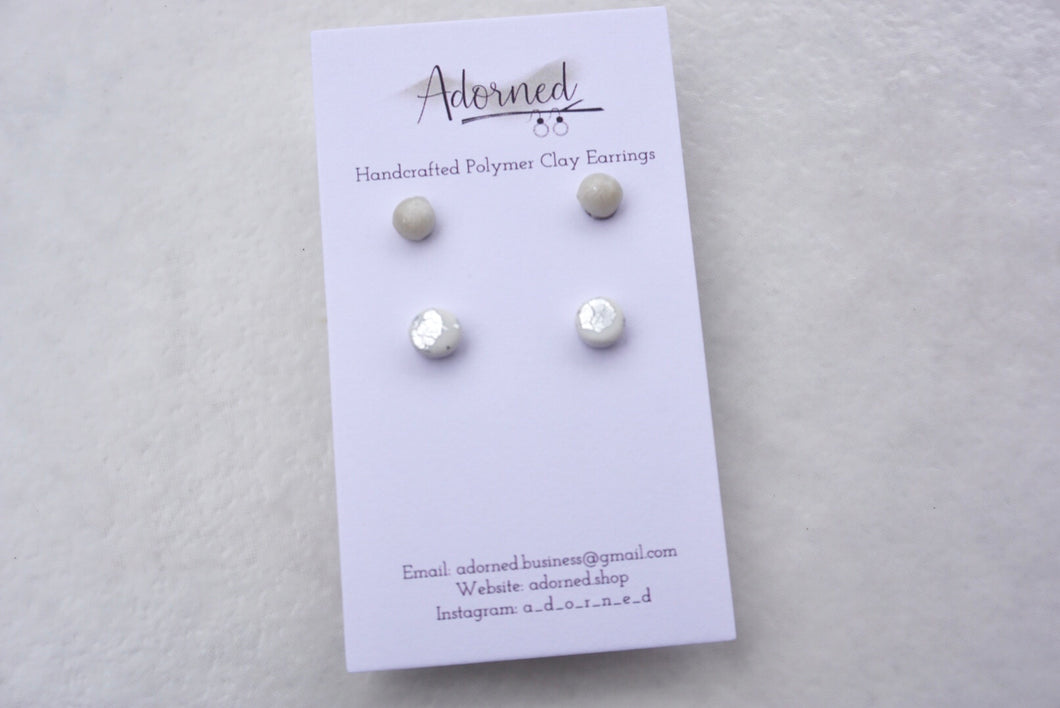 Pearly and silver speckled stud pack