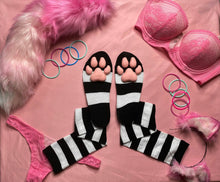 Load image into Gallery viewer, PREORDER CUSTOM COLOR Black & White Striped ToeBeanies
