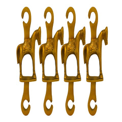 Brass swing chains in horse design
