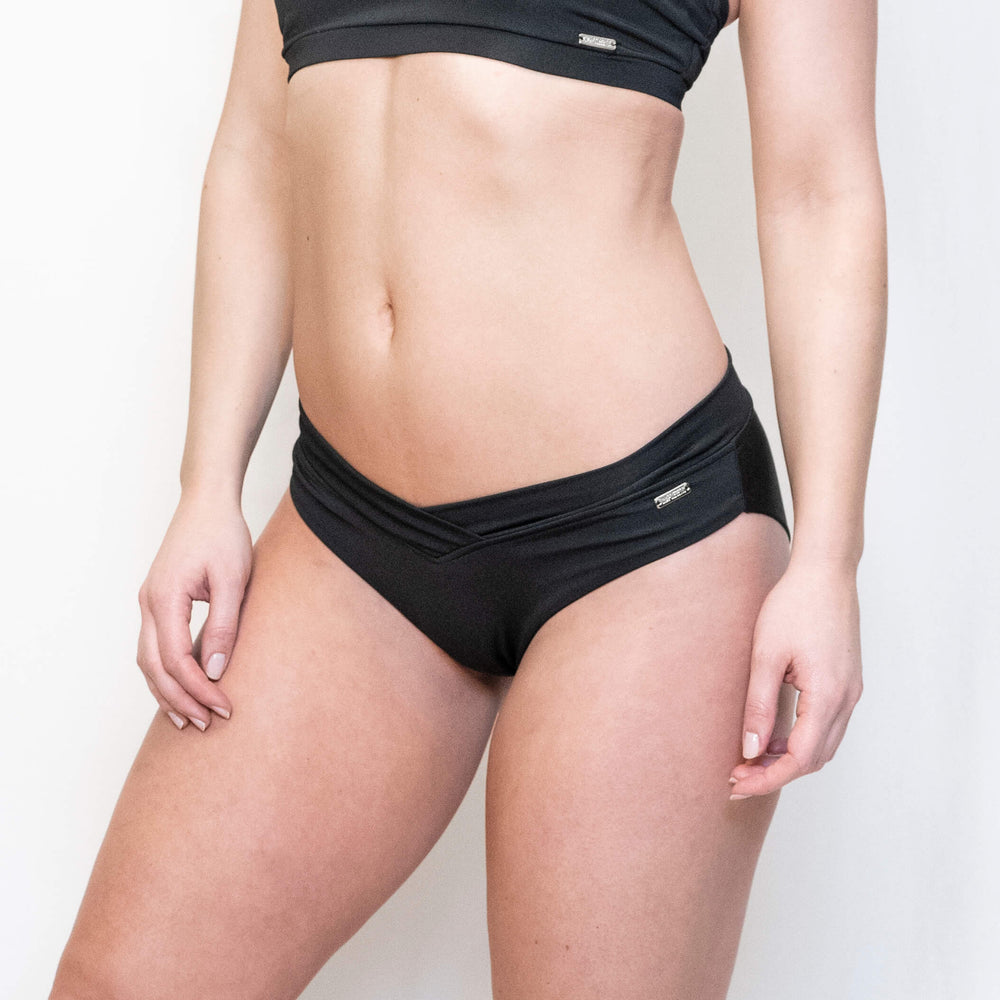 ARIA SPORT SHORTS - BLACK