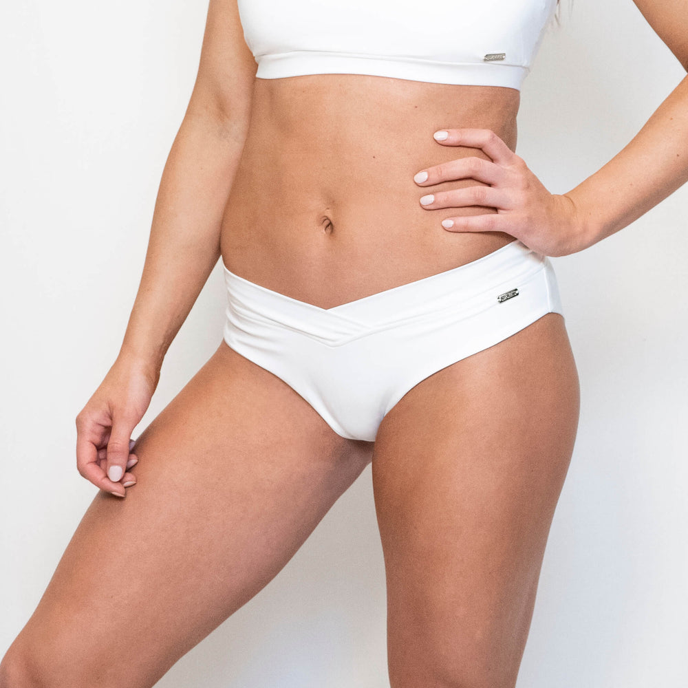 ARIA SPORT SHORTS - WHITE