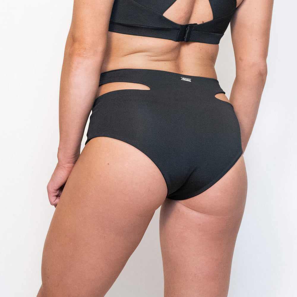 JADE SPORT SHORTS - BLACK