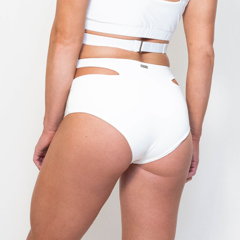 JADE SPORT SHORTS - WHITE