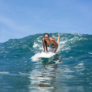 How to stand up on a Surfboard