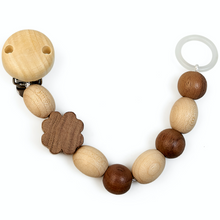 Load image into Gallery viewer, Cloverleaf | Natural Wooden Dummy Clip | Bright Natural Wood & Walnut | Made in Germany