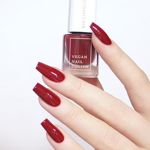 KIA CHARLOTTA Nail Polish Successful | Cherry Red | Vegan Cruelty-Free 14-Free | Bottle & Hands | BeoVERDE.ie