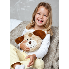 Load image into Gallery viewer, Warming Pillow for Young Children | Dog | Cherry Stones | Girl with Warming Pillow | BeoVERDE.ie
