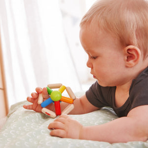 Colour Carousel | Clutching Toy | Baby's First Wooden Toy | HABA | Lifestyle: Baby with Clutching Toy | BeoVERDE.ie