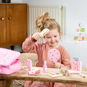 New Classic Toys Make Up Set | Wooden Pretend Play Toy | Lifestyle – 1 Girls Playing | BeoVERDE.ie