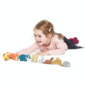 Tender Leaf 8 Woodland Animals & Shelf Set | Hand-Crafted Wooden Animal Toys | Girl Playing |BeoVERDE.ie