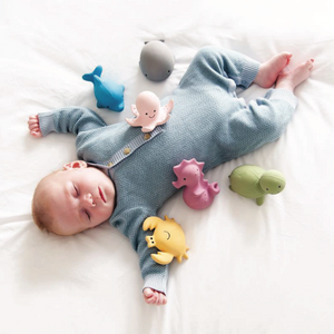 TIKIRI Natural Rubber Rattle & Bath Toy 'Crab' | Lifestyle | BeoVERDE.ie