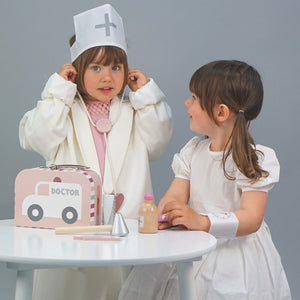 JaBaDaBaDo Doctor's Case Pink | Wooden Pretend Play Toy | Lifestyle – 2 Girls Playing Stethoscope | BeoVERDE.ie