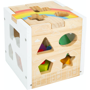 Small Foot Wooden Rainbow Shape Sorter Cube | Baby & Toddler Activity Toy | Close-Up | BeoVERDE.ie