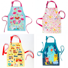 Load image into Gallery viewer, ThreadBear Design 4 Children's Aprons Overview | BeoVERDE.ie