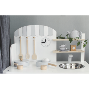 JaBaDaBaDo Kitchen With Pot & Pan | Scandi-Style Pretend Play Kitchen | Closeup | BeoVERDE.ie