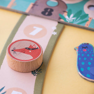 Londji CLUCK, CLUCK! THE FOX! Board Game | Board Game for Kids, Adults & the Whole Family | Close-up: Board | BeoVERDE.ie