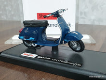 Load image into Gallery viewer, Buy Maisto Vespa 125 ET3 Primavera (1976) Online in Karachi