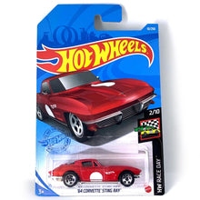 Load image into Gallery viewer, Hot Wheels 64 Corvette Sting Ray Diecast