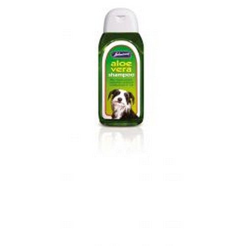 Front - Johnsons Aloe Vera Liquid Shampoo