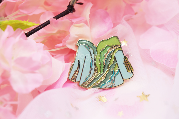 Requiem of Heaven and Earth Hard Enamel Pin