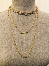 Load image into Gallery viewer, Gold Paperclip Necklace