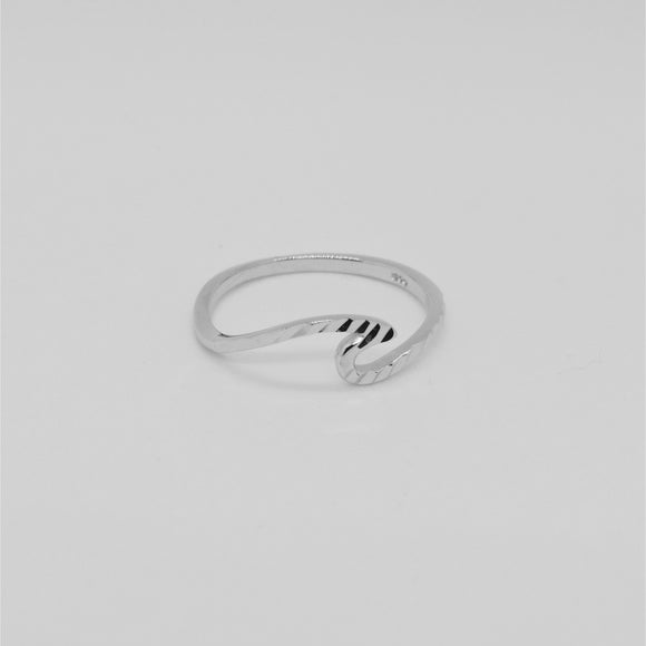 CUT WAVE RING