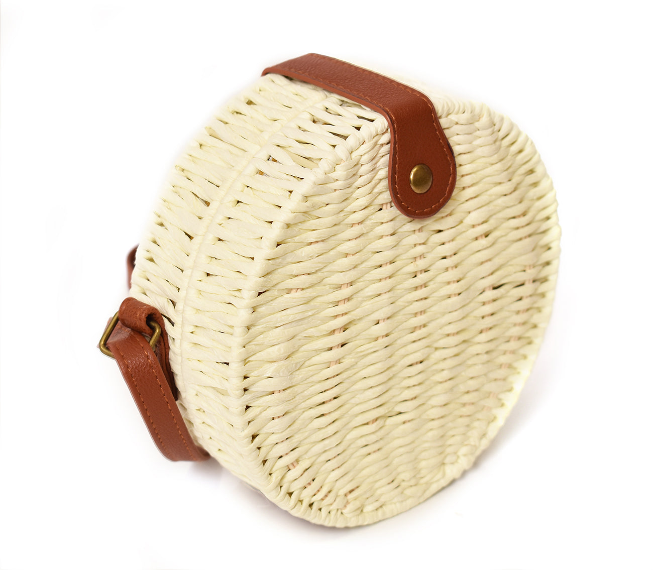 1950s Handbags, Purses, and Evening Bag Styles Charming Charlie Straw Canteen Crossbody Bag in Ivory $34.00 AT vintagedancer.com