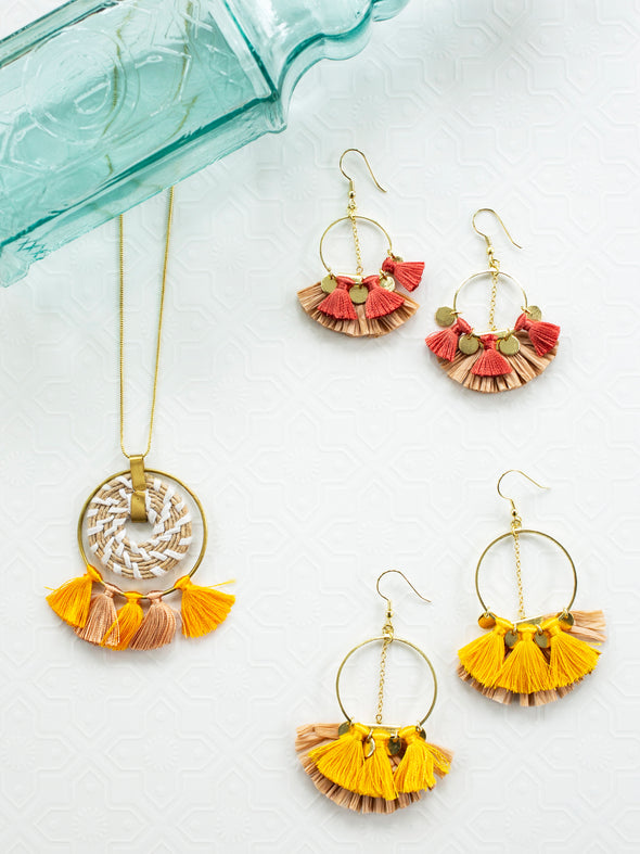 Raffia Pendent Necklace Yellow