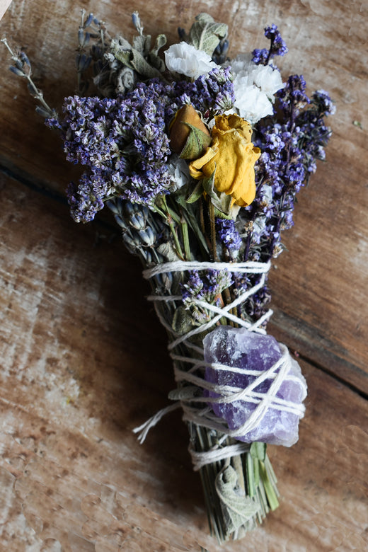 Earth Smudge Sticks - Smudge Stick with Amethyst