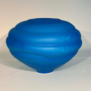 "vase ""luminous curves"""