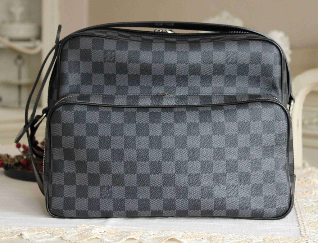 Louis Vuitton - Sacoche Leoh Graphite