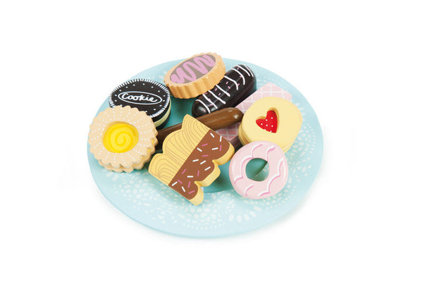 Le Toy Van - Biscuit & Plate Set | KidzInc Australia | Online Educational Toy Store